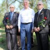 Покладання квітів до братських могил біля станції Павлоград-2